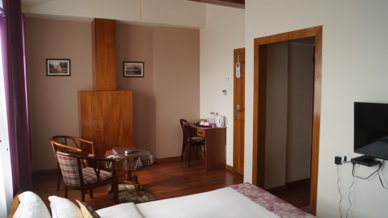 woodland hill stay deluxe room with MV3
